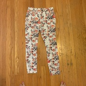 Jeans with flower design